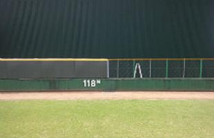 野球場フェンス用のマット